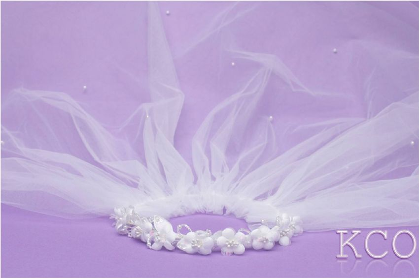 F7067 White Communion Veil